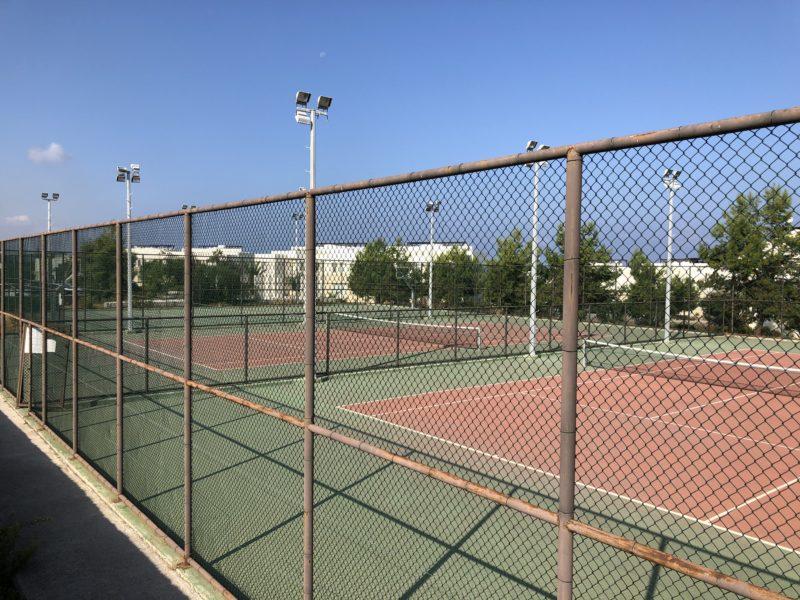 To tennisbaner